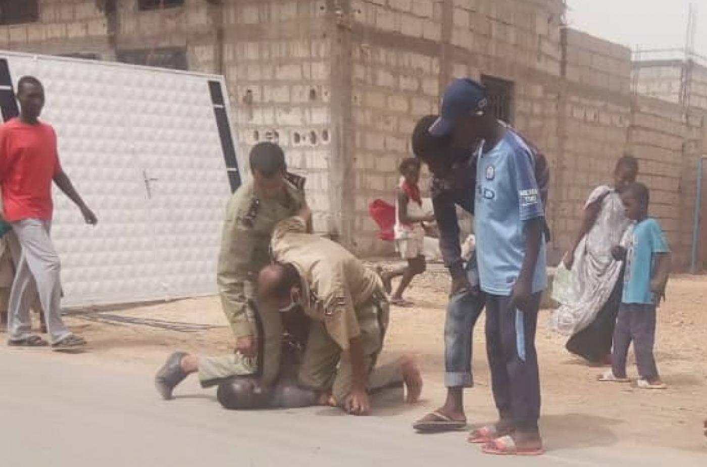 mauritania Knee on neck